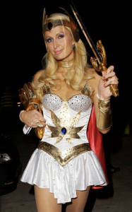 disfraces-para-halloween-paris-hilton-2011