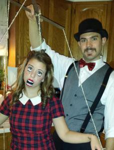 un-ventrilocuo-y-su-terrorifica-marioneta