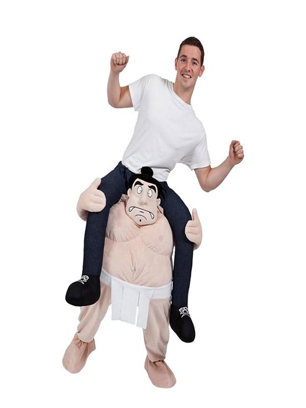 disfraz de sumo con jinete a hombros hombre
