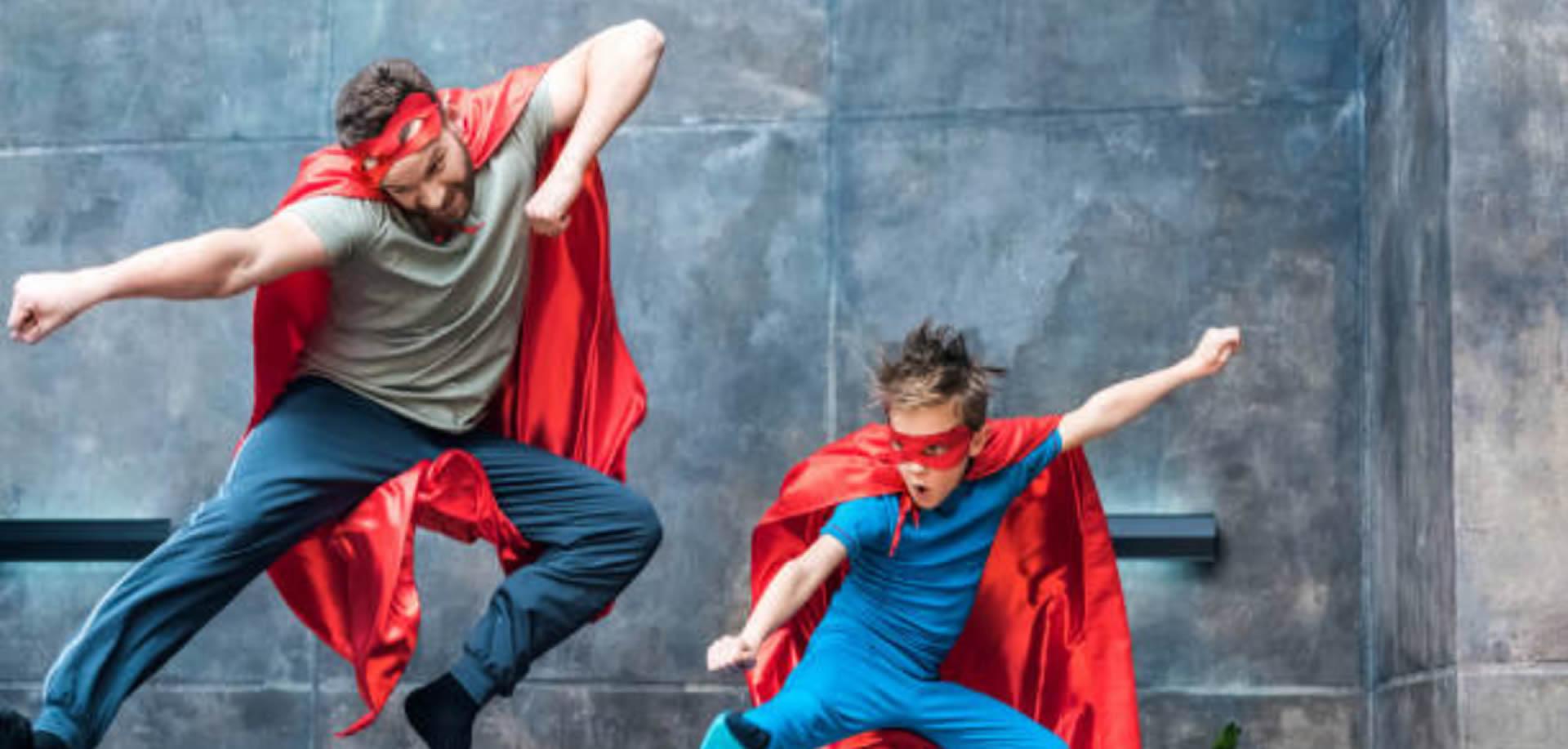 imagen principal de superheroes y villanos