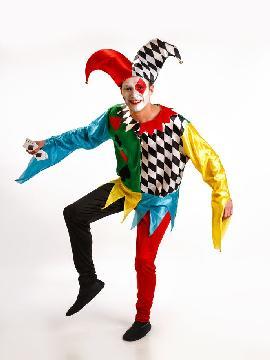 Disfraz de arlequín poker para hombre adultos. Serás el personaje más conocido de la Commedia dell'Arte. Prepárate para divertir con tu magia de payaso haciendo aparecer y desaparecer las cartas. Este disfraz es ideal para tus fiestas temáticas de disfraces de payasos del circo,bufones y arlequines para hombre adultos.
