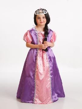 Disfraz princesa morada para niña. Para niñas es perfecto para que tu pequeña se sienta la auténtica princesa,dejará volar su imaginación soñando que está en su Palacio con su príncipe azul. Este disfraz es ideal para tus fiestas temáticas de disfraces de princesas niñas infantiles.