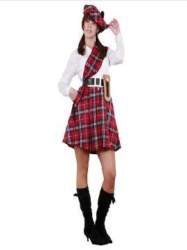 disfraz de escocesa rojo para mujer. Este original y completo traje para chica presenta la estética típica de los trajes típicos de Escocia pero con un toque femenino y muy sensual. Con su característico estampado de cuadros rojos y negros causarás sensación en Carnaval.Este disfraz es ideal para tus fiestas temáticas de disfraces del mundo, paises y regioneles para mujer adultos
