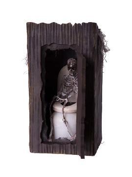 esqueleto animado en el baño con luz movimiento