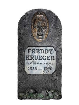 tumba de freddy krueger pesadilla en elm street