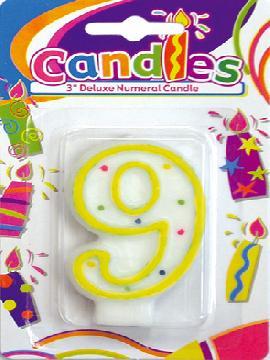 vela de puntos de colores con el numero 9